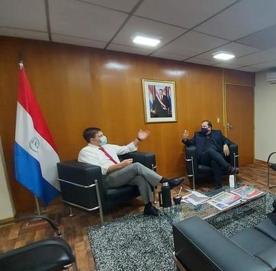 FundaJoven continúa con su compromiso con el Ministerio de Educación y Ciencias