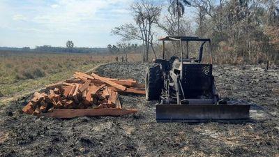 Grupo ACA-EP presuntamente incineró un tractor en estancia