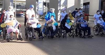 La Nación / Hospital HIRAP tiene más pacientes con alta médica diaria del ala COVID