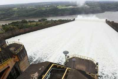 Preguntan y piden informe: por qué tan lentas las obras para recibir la energía de itaipú