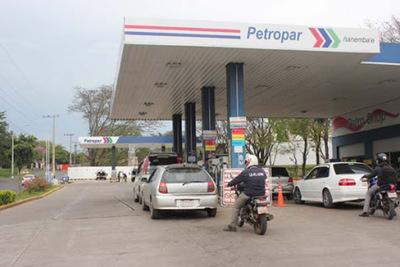 Petropar reajustará el precio de sus combustibles