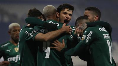 Palmeiras firma una victoria clave en Chile