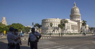 Cuba permite la importación privada de comida y medicinas sin límites