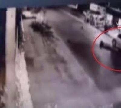 Pirueta fatal: Motociclista muere tras colisionar contra una camioneta