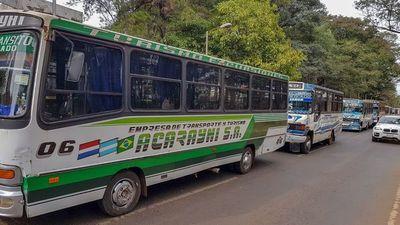 Miles de afectados por el paro parcial del transporte en CDE