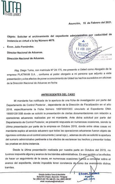 Aduanas sigue investigando a firma de empresarios ligados a Dalia López
