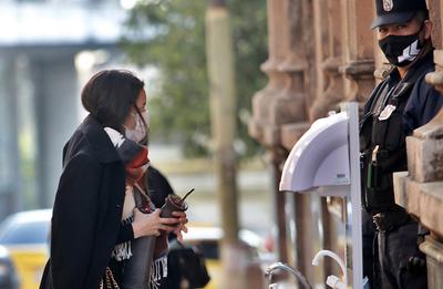 Meteorología alerta sobre tormenta e ingreso de frente frío