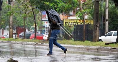 La Nación / Pronostican jueves fresco y lluvias con ocasionales tormentas