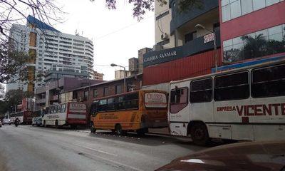 Transportistas dicen que ya no quieren pagar coimas, y aumento de pasaje se debatirá el viernes