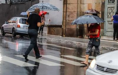 Frente frío y ocasionales tormentas eléctricas, anuncia Meteorología