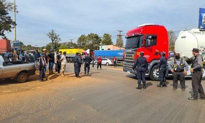 Fiscales intervienen protesta de camioneros ante la violación del libre tránsito vehicular – Diario TNPRESS