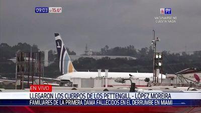 Cuerpos de la familia Pettengill-López Moreira ya están en el país para el último adiós