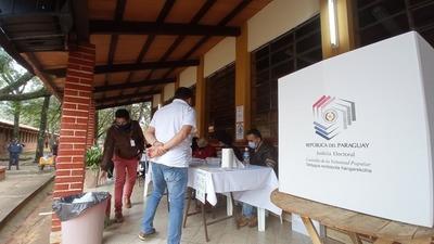 Candidatos colorados a intendente coordinan inscripción de candidatura