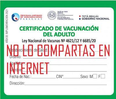 ALERTAN SOBRE NUEVO MÉTODO DE EXTORSIÓN A QUIENES PUBLICAN CARNET DE VACUNACIÓN