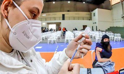 Casi 1.200.000 personas recibieron ya su vacuna anticovid