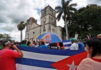 El gobierno de Cuba cede ante las protestas y anuncia medidas para frenar la furia social
