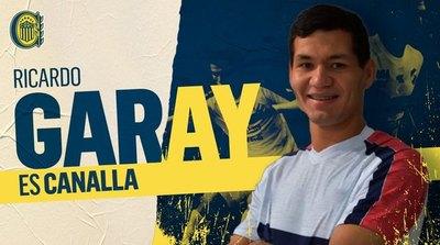 Ricardo Garay fue presentado como refuerzo de Rosario Central