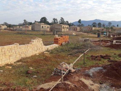 Hay más de mil casas sin terminar, señala el ministro de Urbanismo · Radio Monumental 1080 AM