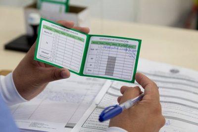 Alerta sobre nueva modalidad de estafa a personas que publican la tarjeta de vacunación