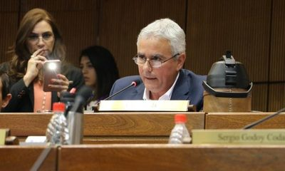 Embarazo de secretaria: jueza admite demanda contra senador Fidel Zavala