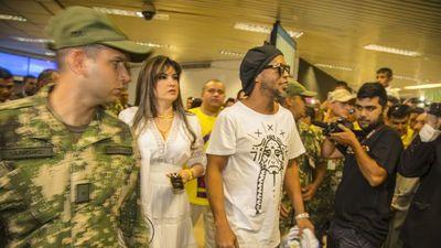 Caso Ronaldinho: Juez ratifica orden de captura contra Dalia López
