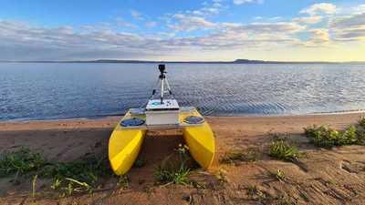 FIUNA impulsa talleres sobre monitoreo ambiental con drones acuáticos
