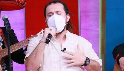 """Dani Meza a """"puro canto mariachi"""" en televisión"""