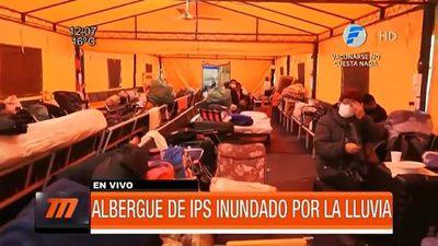 Albergue de familiares de pacientes con Covid-19 inundado tras lluvias
