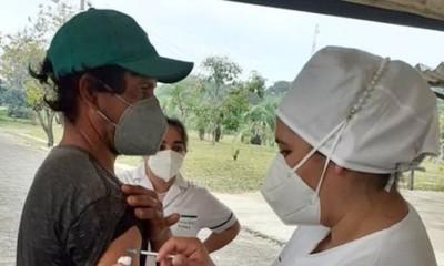 Covid-19 en Paraguay: Otra jornada de vacunación en el Fomento