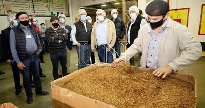 """La Nación / """"Quedamos sorprendidos"""", dice el titular de la UIP tras visita a planta de Tabesa"""