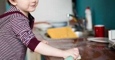 Sigue estos consejos para que tus hijos te ayuden en las tareas del hogar