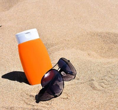 ¡Ojo! Johnson & Johnson retira 5 cremas solares tras detectar elemento cancerígeno