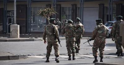 La Nación / Al menos 117 muertos por violencia en Sudáfrica, que alista despliegue masivo del ejército