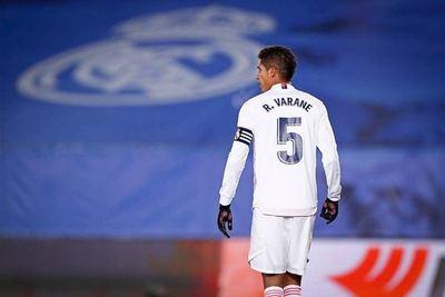 ¿Ya tiene club? Manchester United muy cerca de cerrar el fichaje de Varane