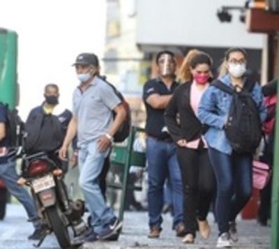 Ministerio de Salud reporta leves disminuciones en números covid-19