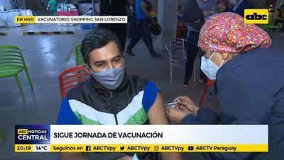 Sigue jornada de vacunación