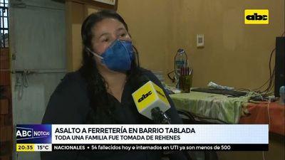 Asalto a ferretería en barrio Tablada