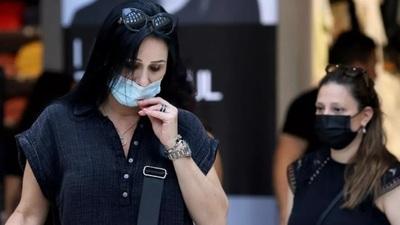 Los Ángeles: Volverán a exigir uso de tapabocas en espacios cerrados por aumento de casos de COVID