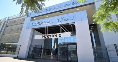 La Nación / IPS Ingavi: mientras ingresó a buscar terapia para su mamá, delincuentes le robaron su vehículo