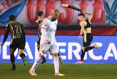 Peñarol domina de principio a fin y se lleva la victoria en el Clásico