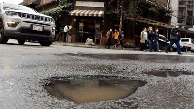 Precario sistema de desagüe pluvial genera destrozos en calles de capital