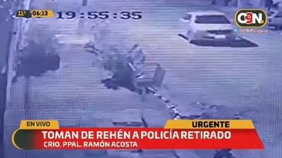 Toman de rehén a policía retirado para llevarse su auto