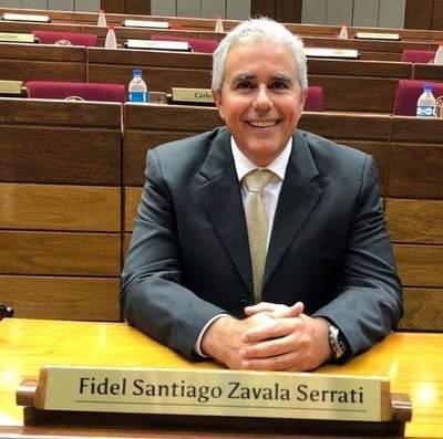 Senador Fidel Zavala envuelto en escándalo por filiación