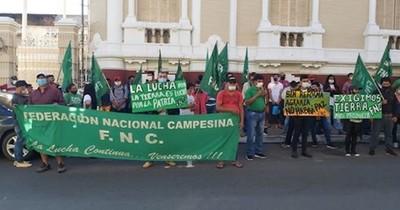 La Nación / FNC insiste en exigir al Estado un seguro agrícola a través de una ley