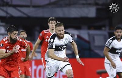 Libertadores: de local, el Decano igualó sin goles contra el Inter