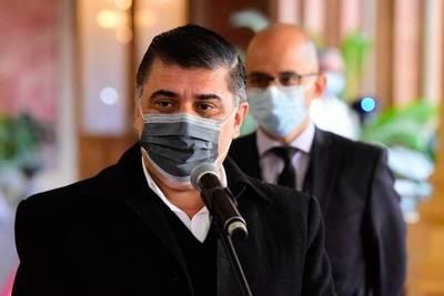 """El lunes no será feriado, dice Borba: """"En la semana se buscarán más vacunas"""""""