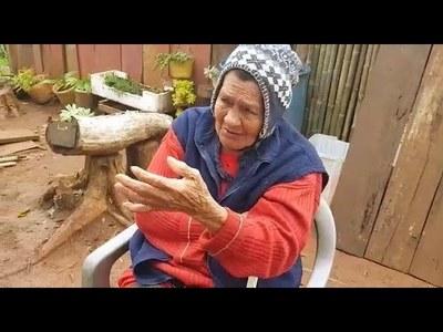 ABUELITA DE 82 AÑOS FUE ECHADA A LA CALLE Y AHORA PIDE LA AYUDA DE LA CIUDADANÍA.