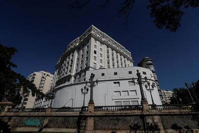 El primer cinco estrellas de Río reabre como residencial por la crisis turística