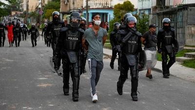 """El mensaje de organizaciones opositoras de Cuba a los militares de la dictadura: """"No se embarren de sangre"""""""