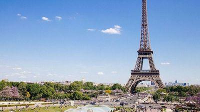 La Torre Eiffel reabre al público tras 8 meses de cierre por la pandemia